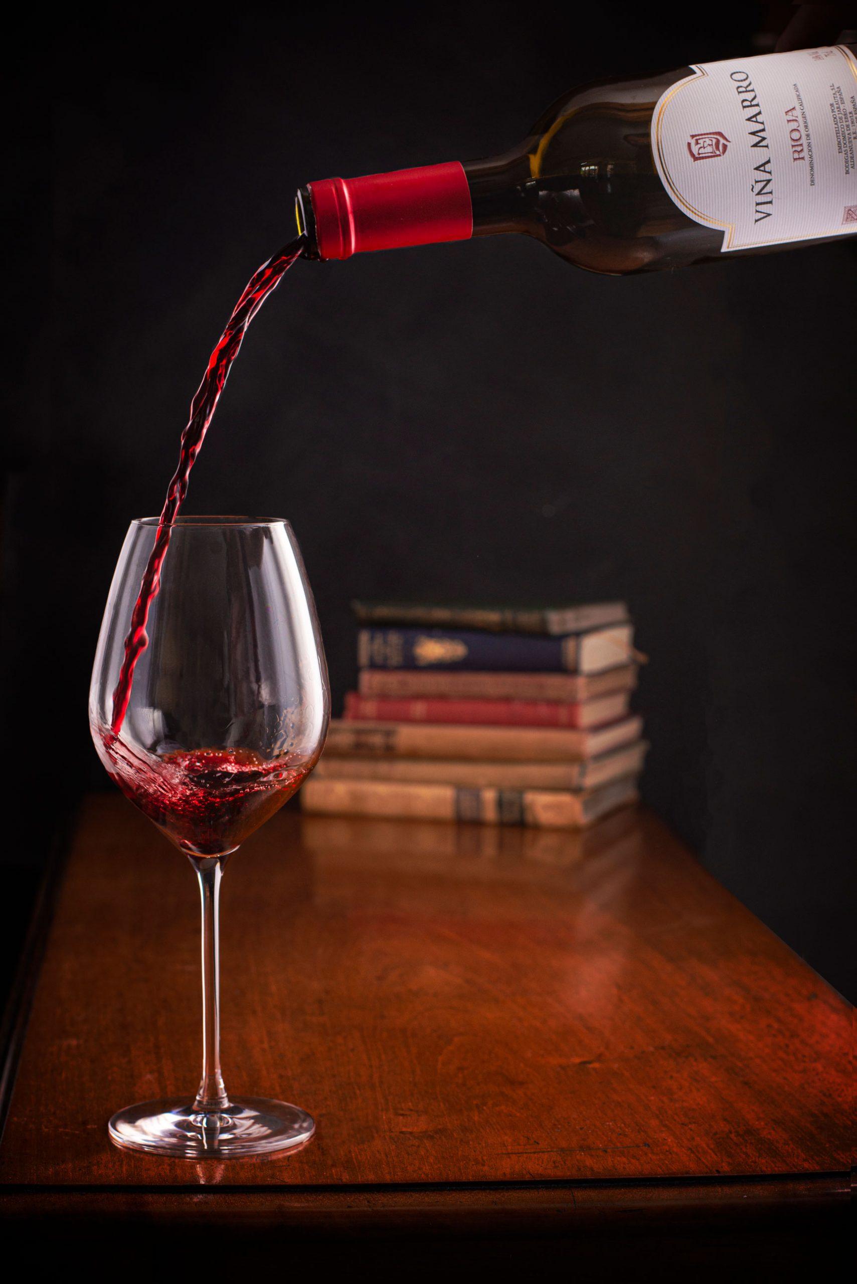 pouring-Rioja-copy